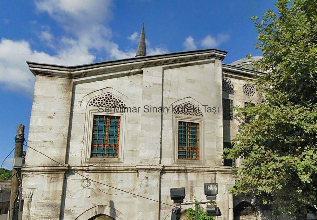 sermimar-kufeki-tasi-istanbul-tasi-silivri-tasi-mimar-sinan-tasi-kirec-tasi-fiyatlari-kaplama-malzemeleri-Azapkapı-Sokollu-Mehmet-Pasa-Camii-1-1024x712